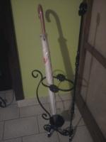 kovácsoltvas esrnyőtartó